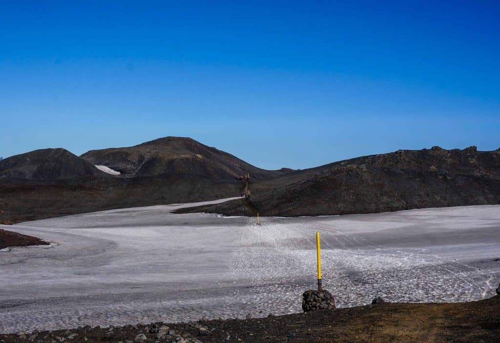 A large section of snow on the Fimmvörðuháls Trail.